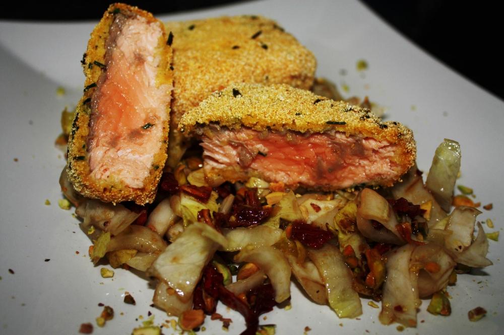 Filetto di salmone impanato in farina di mais ed erba cipollina
