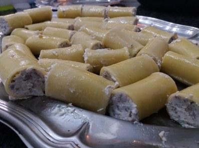 paccheri ripieni indorati e fritti al ragù napoletano 11