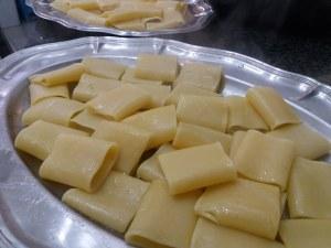 paccheri ripieni indorati e fritti al ragù napoletano 9