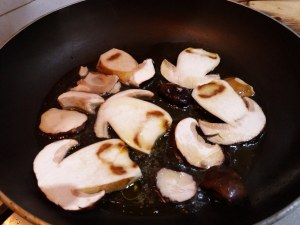 Pappardelle con porcini, baccalà e pomodorino giallo 3