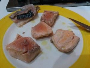 Cous cous allo zafferano con carciofi e salmone