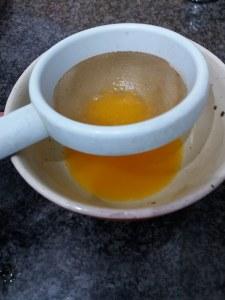 Filetto di tonno rosso con mandorle su salsa all'arancia