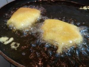 Baccala in pastella allo zafferano su fonduta al cognac_11