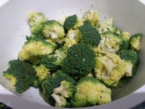 Fettuccine al limone con broccoli e stracciatella di bufala
