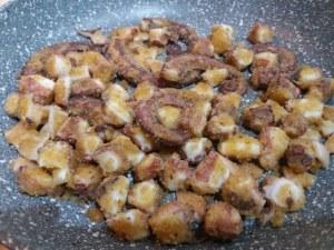 Spaghetti aglio olio e peperoncino con purpu ammuddicato su crema di friarielli_17