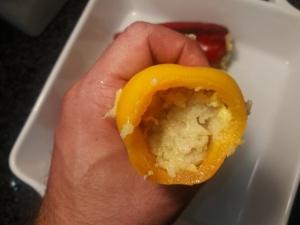 Peperoni ripieni con olive capperi provola ed acciughe di Sciacca