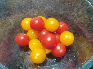 Gnocchi di patate con ciliegini rossi e gialli provolone del monaco e bottarga di tonno