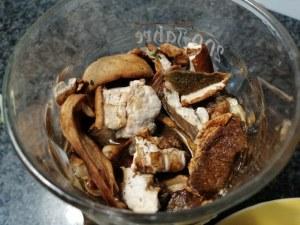 Pasta e patate con funghi porcini e caciocavallo al tartufo