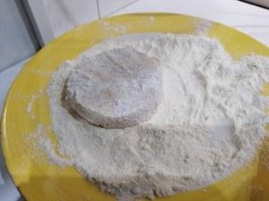 Sandwich di polenta fritta con agretti e mousse al gorgonzola