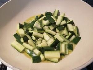 Fregola sarda con vongole zucchine bottarga e lime