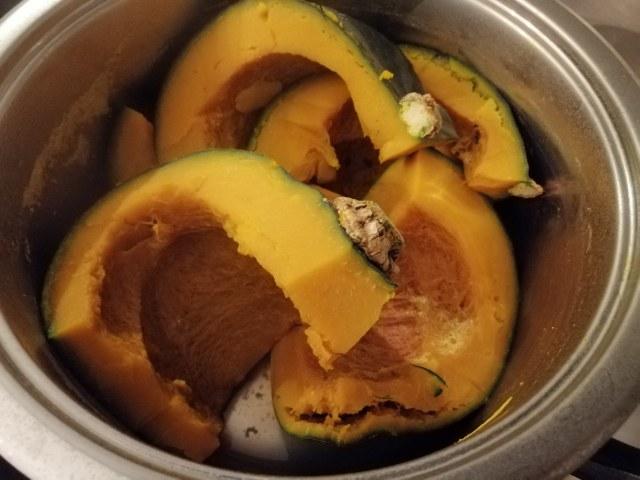 Risotto con zucca noci gorgonzola e polvere di prosciutto crudo