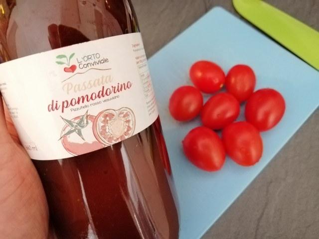 Bucatini all'amatriciana con pomodori del Vesuvio e crema di pecorino