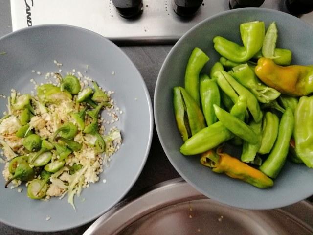 Malloreddus con crema di pecorino sardo melanzane peperoncini verdi e datterini gialli e rossi